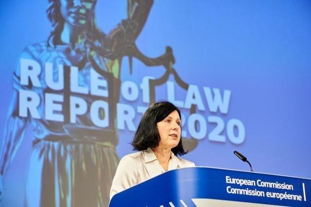 Vĕra Jourová, vicepreședinte al Comisiei Europene responsabil cu valorile și transparența, și Didier Reynders, comisarul european pentru justiție, vor susține o conferință de presă cu privire la raportul privind statul de drept.