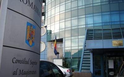 CSM a BLOCAT ACCESUL PRESEI la dosarele de coruptie. Consultarile cu ziaristii si societatea civila au fost FORMALE