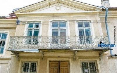 Proiectul pentru Casa Celibidache așteaptă de trei luni să fie trimis la Ministerul Dezvoltării. Distanța între instituții: 500 metri (inroman.ro) – PressHub
